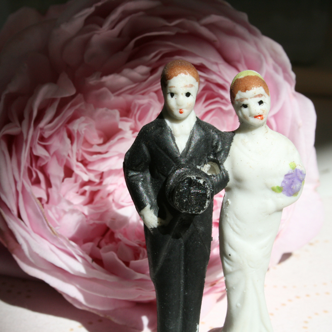 bride & groom cake toppers - photo Marie Cameron 2012