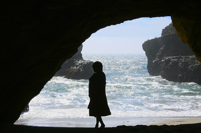 Day-tripping - Boy -Shark's Tooth Cove, Davenport - photo Marie Cameron 2014