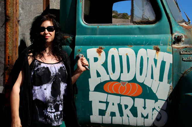 Day-tripping - Marie Cameron at Rodoni Farms 2014 - photo OP