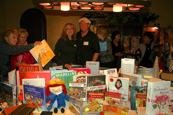 Homes for the Holidays - Cheryl and Steve - Village Books - photo Marie Cameron 2014