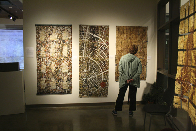 Monumental Fiber - Vargas Gallery 2015 - Gallery viewer- photo Marie Cameron