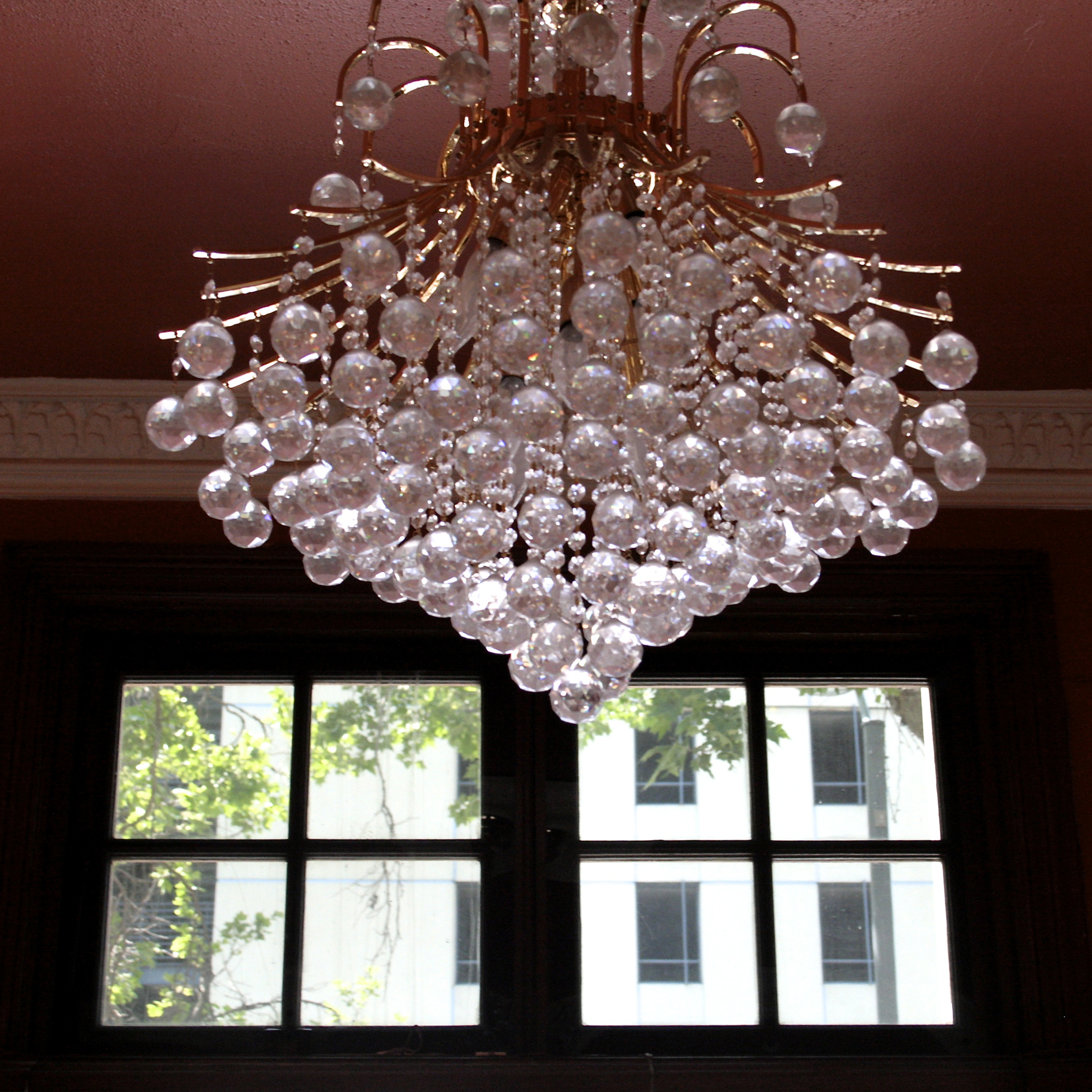 Foyer Chandelier, Le Petit Trianon Theater Marie Cameron 2015