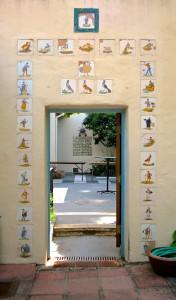 Tiled doorway - La Mirada, Monterey - photo Marie Cameron 2015