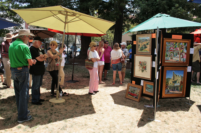 Plein Air 2015 - viewing- photo Marie Cameron 2015